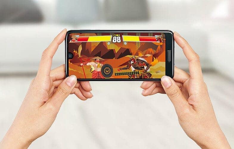 Sharp Aquos R2 SHV42 Gaming smartphone